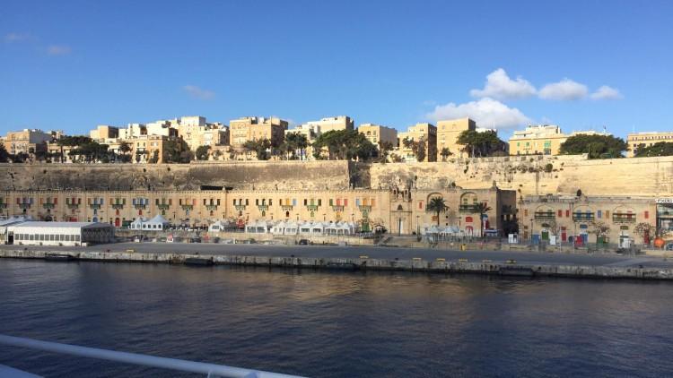 """Escale du """"Gabriela Silang"""" à Malte"""